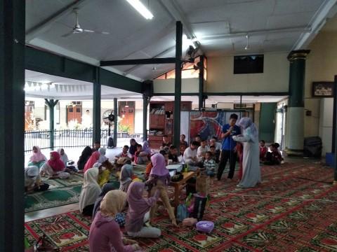 Anak-anak yatim piatu di Rumah Piatu Muslimin -