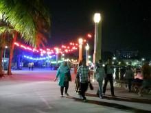 Puasa tak Menyurutkan Niat Warga Liburan ke Ancol