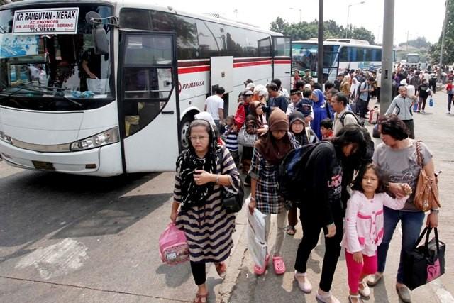 74.311 Pemudik Berangkat dari Terminal Kampung Rambutan
