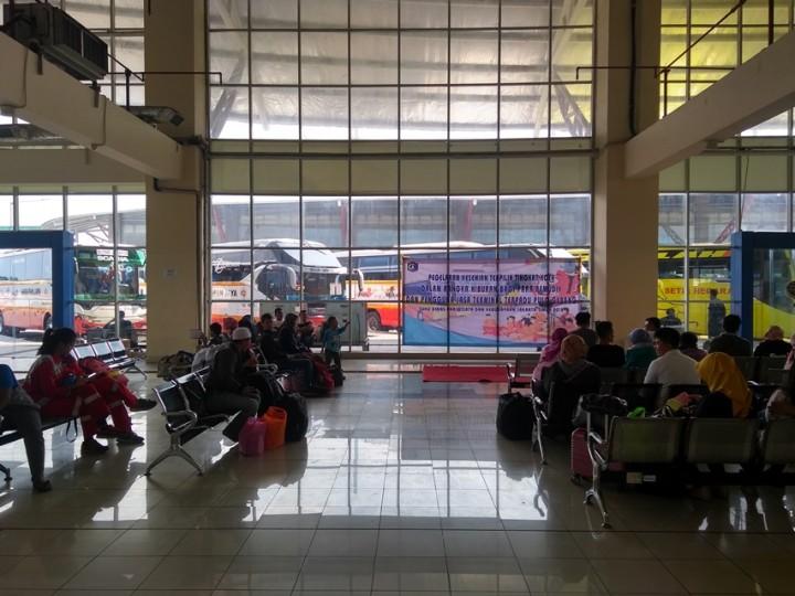 Terminal Pulogebang Mulai Sepi Pemudik