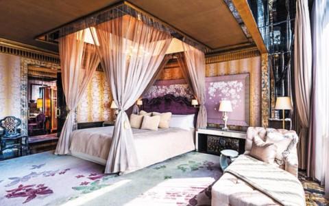 Kamar President Suite di Hotel St Regist yang diyakini diinapi