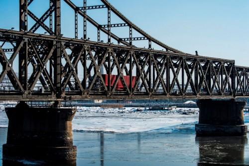 Jembatan Persahabatan yang menghubungkan Tiongkok dengan Korea