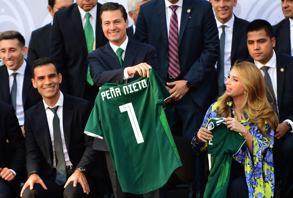 Presiden Meksiko Enrique Pena Nieto (tengah). (Foto: AFP/Pedro Pardo)