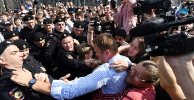 Russian opposition leader Alexei Navalny was grabbed by police and carried away during a protest against President Vladimir Putin in May. (Photo:AFP/File)