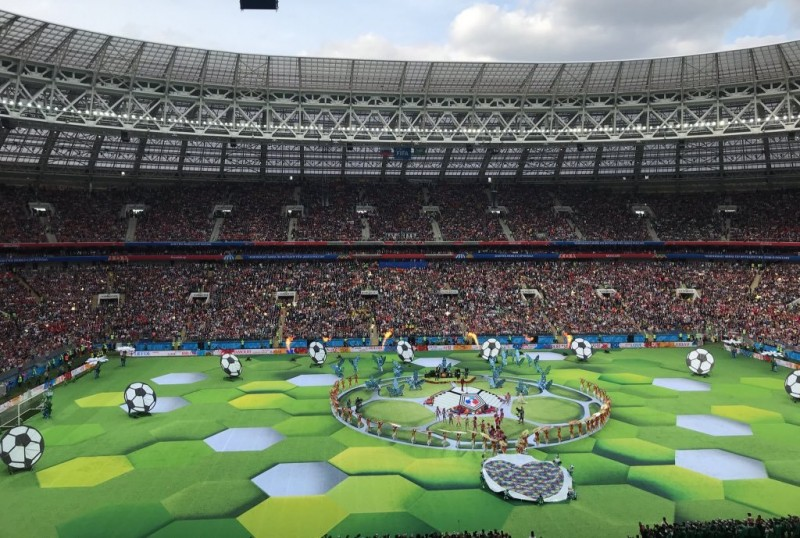 Kemeriahan opening ceremony Piala Dunia 2018 di Stadion Luzhniki Moskow. (Foto Twitter Saudi National Team)