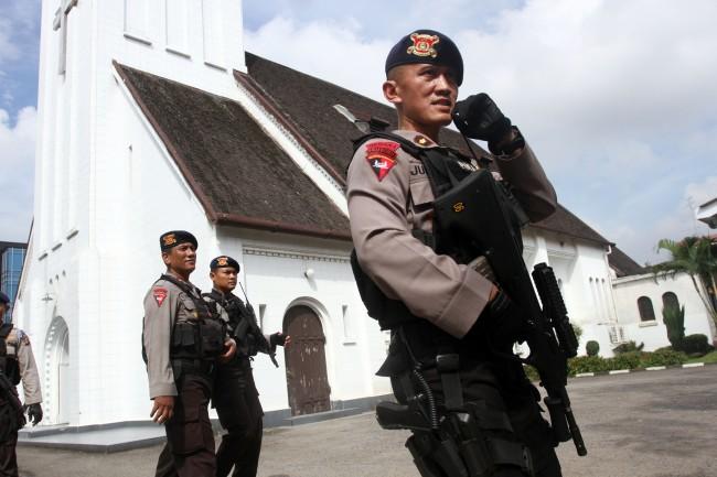Antisipasi Teroris, Polisi Razia Kendaraan di Perbatasan Indonesia-Timor Leste