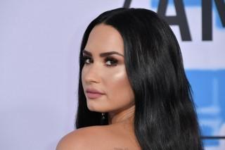 Demi Lovato Sembuh dari Penyakit yang Mengancam Kariernya