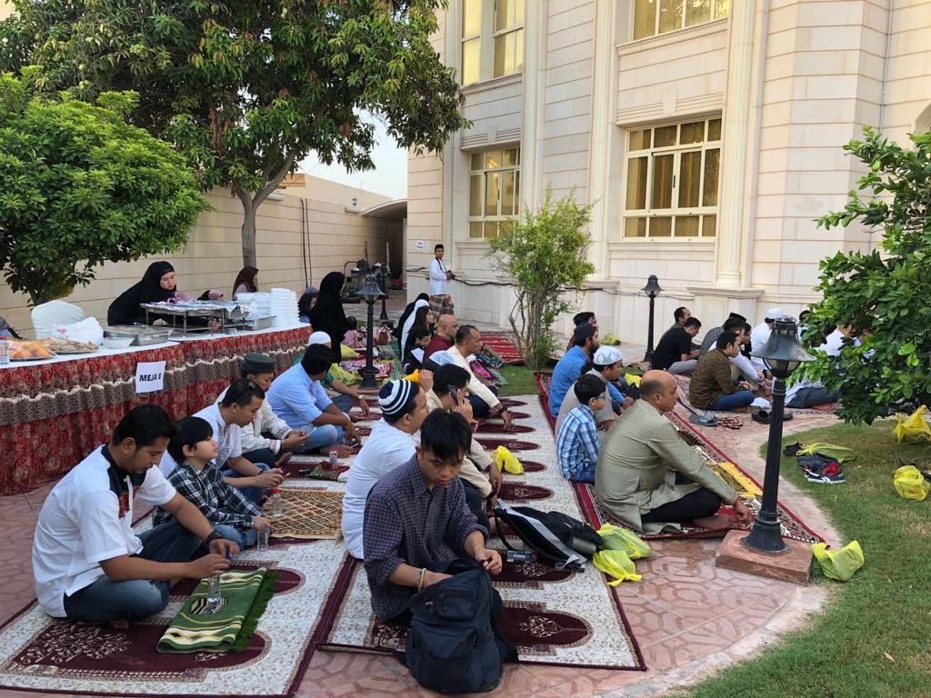 Meriahnya Salat Id di KBRI Abu Dhabi