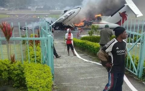 Kecewa Hasil Pemilu, Warga Papua Nugini Bakar Pesawat