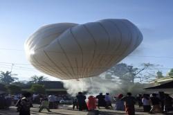 Balon Udara Idulfitri tak Diterbangkan, Cukup Ditambatkan