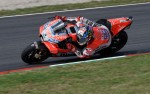 Lorenzo Raih <i>Pole Position</i> Pertama Bersama Ducati
