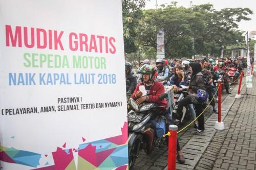 Pemudik motor peserta program Mudik Gratis Sepeda Motor Naik