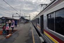 Stasiun dan Jalan di Tangerang Masih Lengang