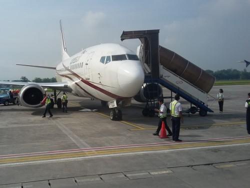 Salah satu maskapai saat mendarat di bandara Adisutjipto