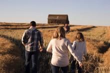 Menghadapi Stigma Keluarga Beda Agama