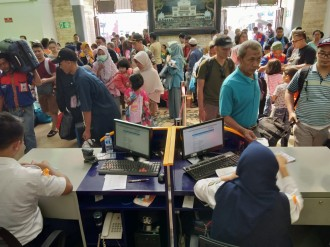 Puncak Arus Balik di Stasiun Cirebon Jatuh Hari Ini
