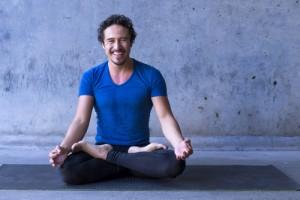 Rutin Yoga Bantu Tingkatkan Kualitas Sperma