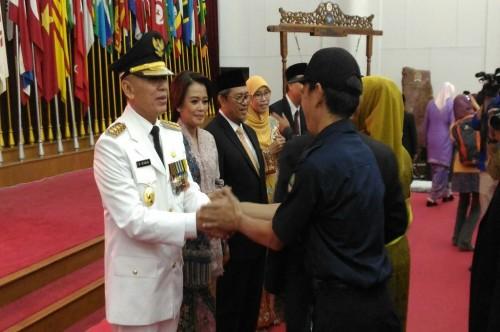 M Iriawan mendapat ucapan selamat usai dilantik menjadi Pj
