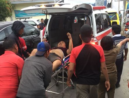 Foto penyelamatan penumpang korban tenggelamnya KM Sinar Bangun