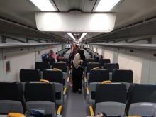 Warga Bekasi Uji Coba Kereta Bandara