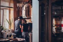 Benarkah Kain Lap di Dapur Sumber Penyakit?