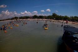 Pengunjung Pantai di Jepara tak Sebanyak Tahun Lalu