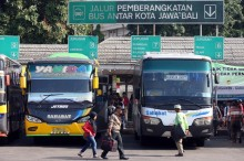 Volume Kedatangan Penumpang Terminal Kota Depok Turun