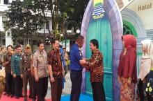 Alat Pindai Retina 'Pantau' PNS Pemkot Bandung Masuk Kantor