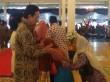 Rela Berdesakan untuk Bersalaman dengan Sultan
