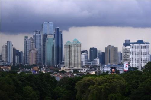 Ilustrasi langit Jakarta berawan -- Foto: MI/ Susanto