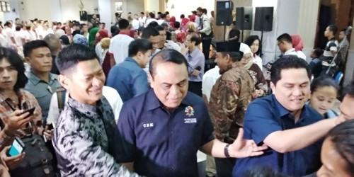 Ketua INASGOC Erick Thohir (kanan) dan CdM Asian Games 2018