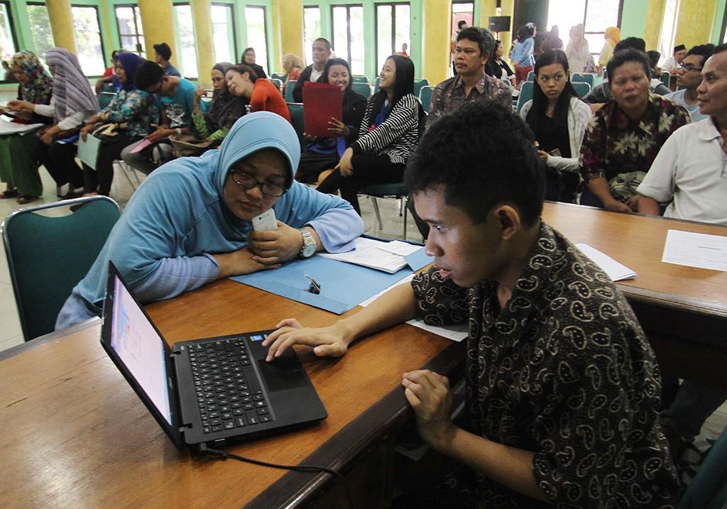 Suasana pendaftaran PPDB di DKI Jakarta, MI/Angga Yuniar.