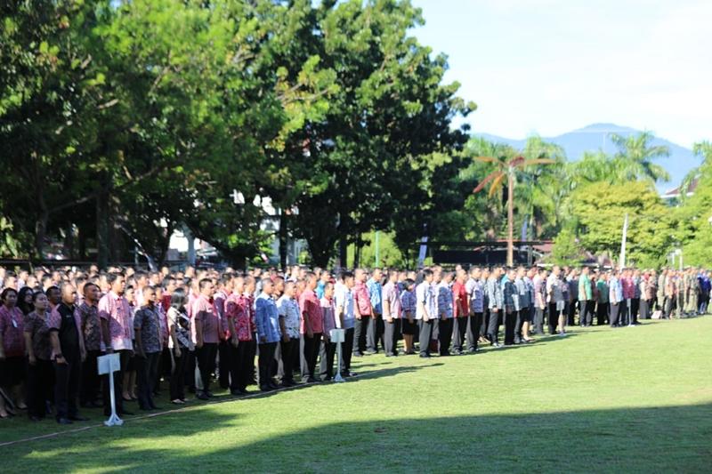 Apel perdana jajaran ASN Pemprov Sulut yang digelar di halaman Kantor Gubernur Sulut, Jalan 17 Agustus, Manado, Kamis, 21 Juni 2018. Medcom.id/Mulyadi Pontororing