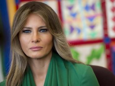 Melania Trump Jenguk Anak-anak di Pusat Detensi Perbatasan