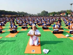 PM India Senam Yoga Bersama 50 Ribu Warga
