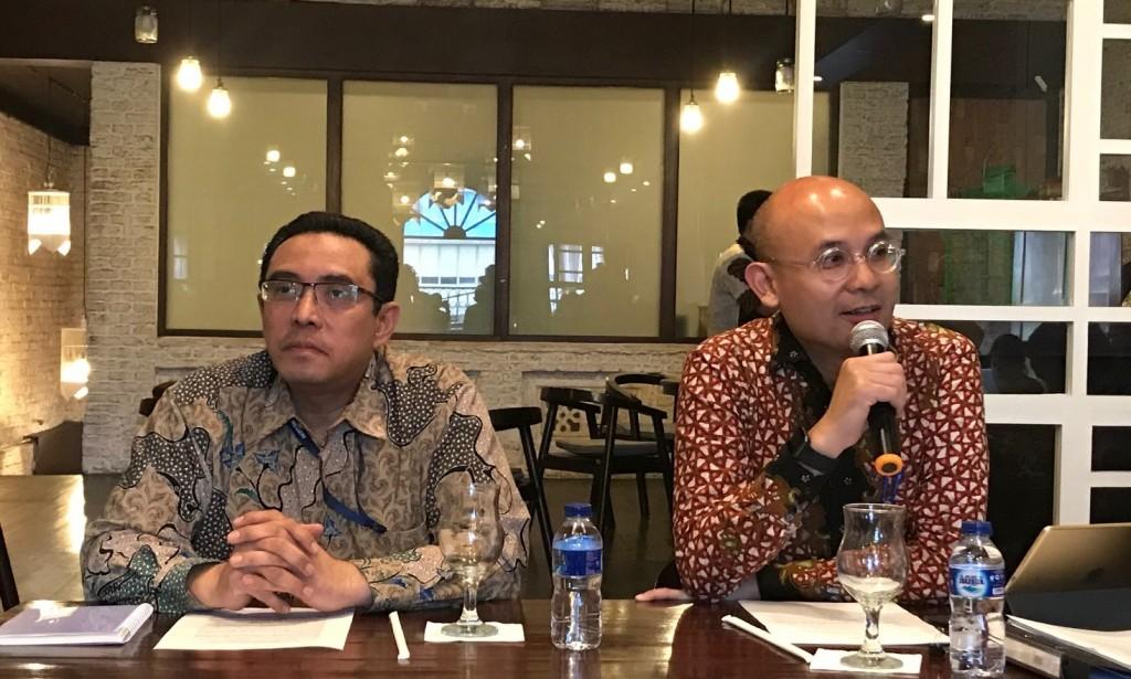 Direktur Kerja sama Teknis Kemenlu RI Muhammad Syarif Alatas (kiri) dengan Juru Bicara Kemenlu RI Arrmanatha Nasir. (Foto:Medcom/Fajar Nugraha)