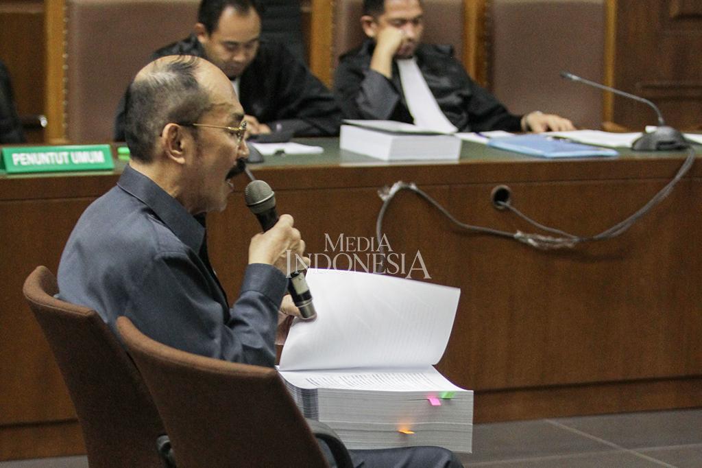 Bacakan Pledoi, Fredrich Sebut akan Beberkan Pemalsuan Jaksa KPK