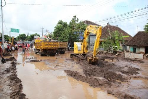 Banjir bandang melanda Banyuwangi. (ANT/Tulus Harjono)