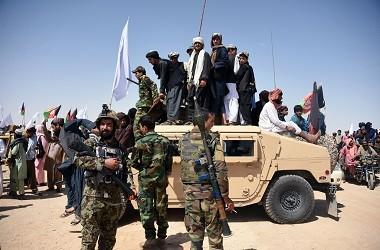 Militan Taliban beserta warga sipil dan pasukan pemerintah