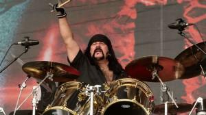Pengaruh Kuat Vinnie Paul Bagi Perkembangan Musik Metal