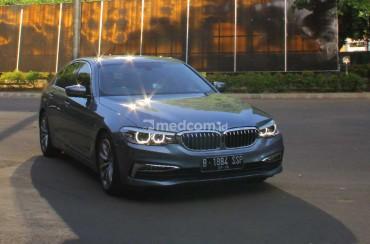 Jajal Fitur 'Anti Capek' BMW 520i Luxury Line di Kemacetan