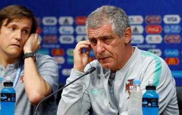 Jumpa Iran, Santos tak Ingin Bebankan Ronaldo