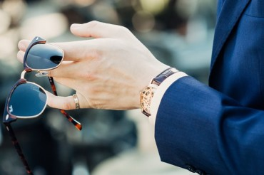 Di Pergelangan Tangan Mana Sebaiknya Menggunakan Jam Tangan?
