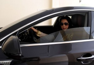 120 Ribu Perempuan Arab Saudi Ajukan Pembuatan SIM