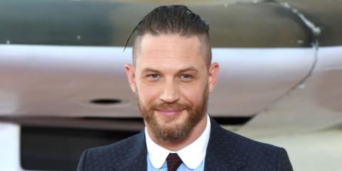 Pierce Brosnan Anggap Tom Hardy Layak Perankan James Bond