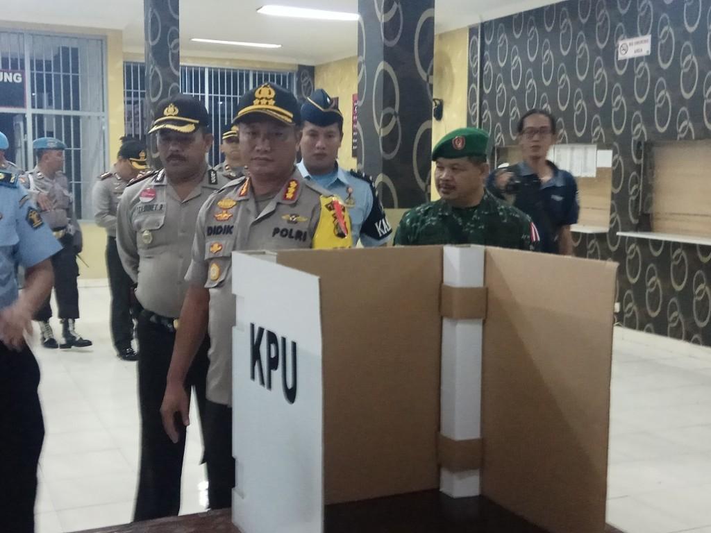 Pengecekan pengamanan dan persiapan Pilkada 2018 di TPS Rutan Cilodong Depok, Jawa Barat, Selasa, 26 Juni 2018. Foto: Medcom.id/ Octavianus Dwi Sutrisno.