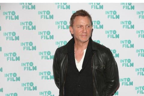 Daniel Craig, Pink hingga Anne Hathaway Raih Bintang Hollywood Walk of Fame 2019