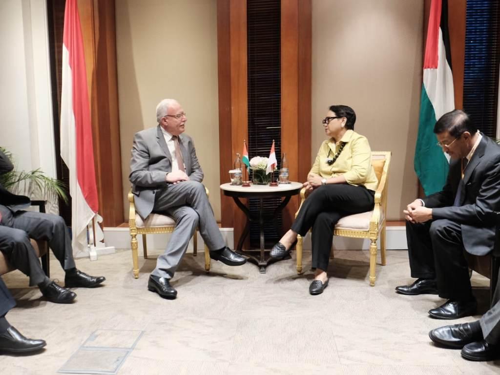Menlu RI Retno Marsudi dan Menlu Palestina Riyad Maliki. (Foto: Dok. Kemenlu).