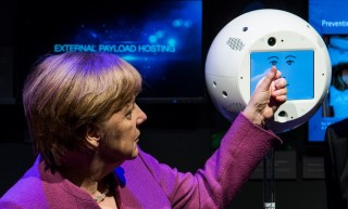 Robot CIMON akan Bantu Para Astronaut di ISS