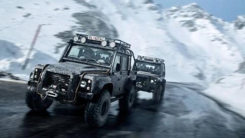 Land Rover Defender SVX James Bond Masuk Pasar Lelang